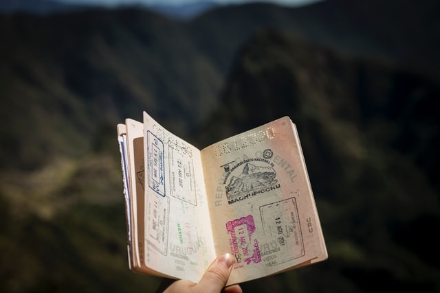 The Differences Between L-Visas and E-2 Visas